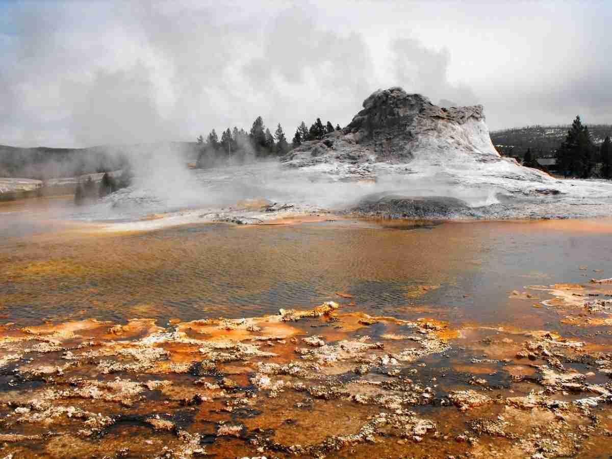 old-geyser-1757550_1280