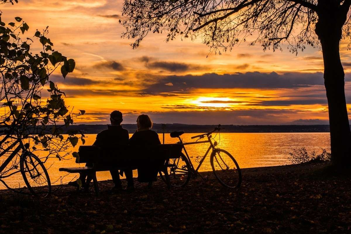 zonsondergang_echtpaar-pixabay