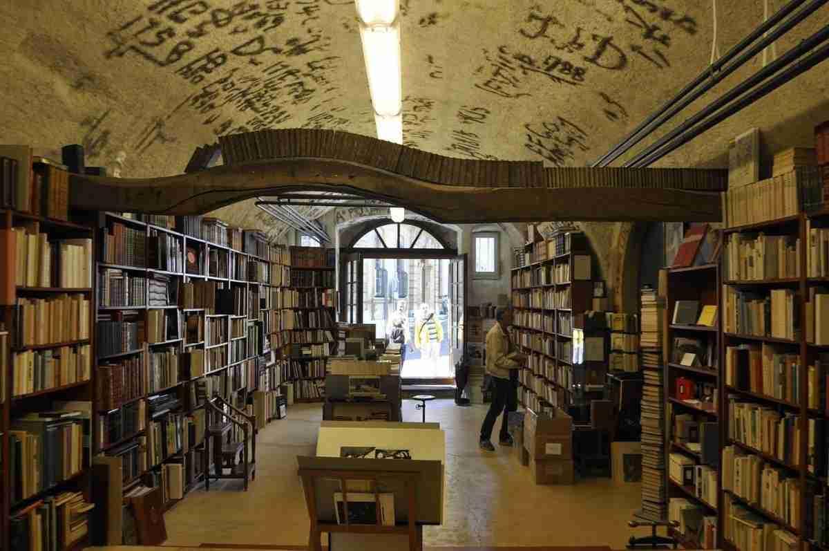 boekhandel_bibliotheek.pixabay