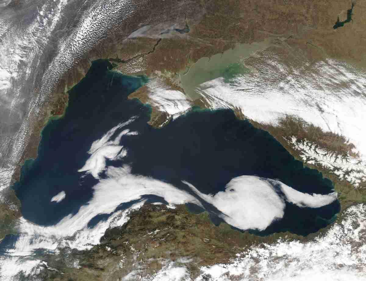 Zwarte_Zee_vanuit_de_ruimte.wikipedia