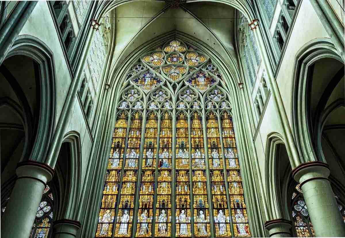 kerk_glas-in-lood.pixabay