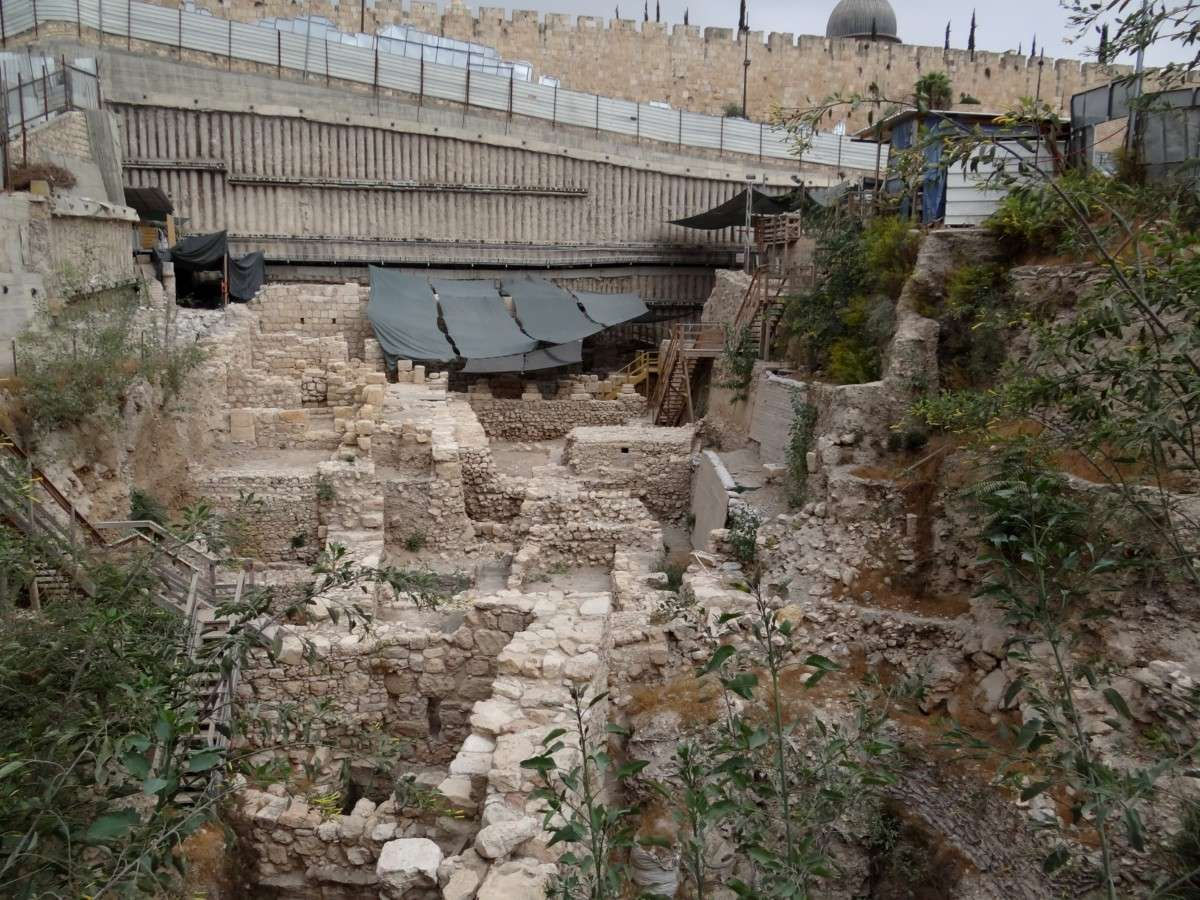 Het dateren van rotsen en geologic gebeurtenissen